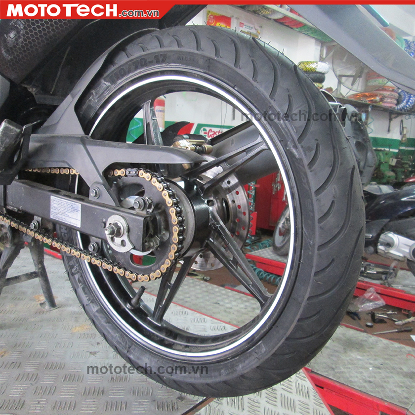 Lốp độ xe Exciter 135 michelin 110/70-17