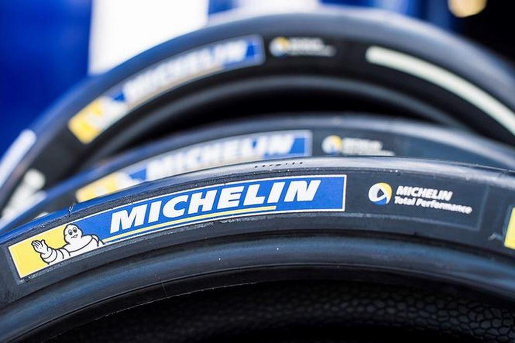 lốp xe phân khối lớn michelin